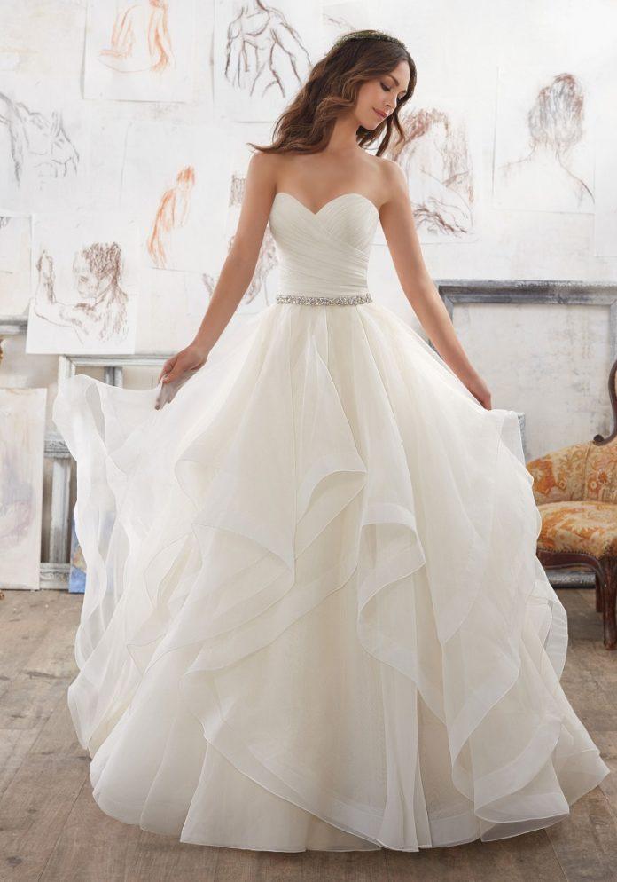 Дух захватывает! Самые стильные свадебные платья 2020-2021 года
