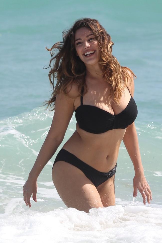 Вот как должна выглядеть идеальная женская фигура!