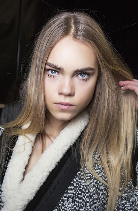 Темный блонд: супер-тренд в окрашивании волос 2020-2021